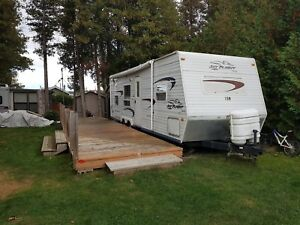 For sale! 2005 - 27' Jayco Trailer