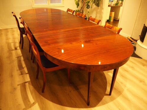 Extendable Round Mahogany Dining Table with 8 Biedermeier Chairs
