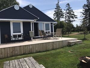 2 bedroom Stratford waterfront cottage $1200/mo
