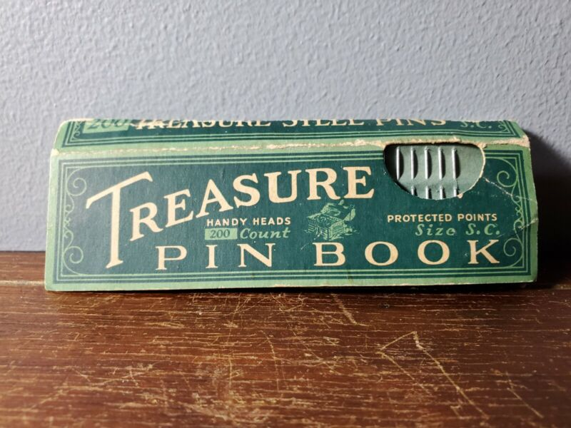 Antique Scovill Manufacturing Co Treasure Sewing Dressmaker Steel Pin Book