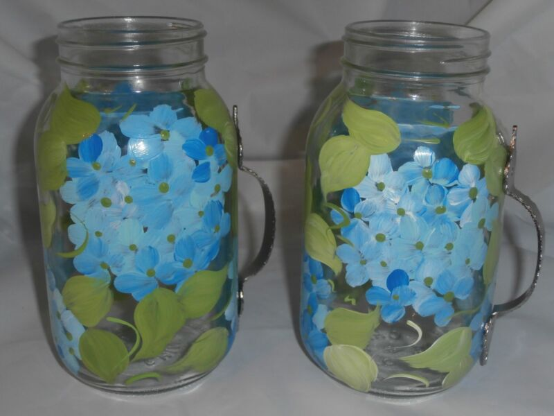 HAND PAINTED BLUE HYDRANGEA GREEN USA SET OF 2 HANDLED QUART MASON JAR GLASS