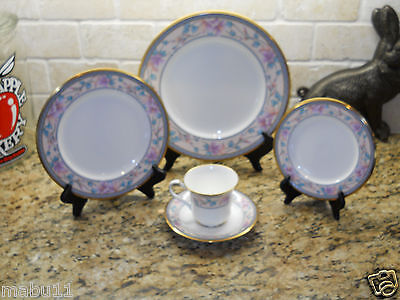 Noritake Embassy Suites 9756  5 Piece Place Setting Nm