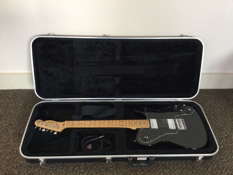 Squier Telecaster 2004, Black with hard case, strap, plectrum, new strings