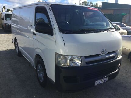 2006 Toyota Hiace lwb van  vvti 2.7 pet 5 speed man 6.0