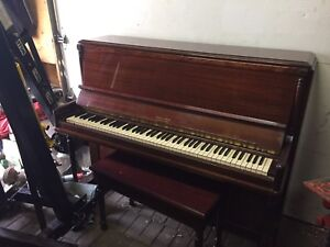 Piano In Excellent Condition $300