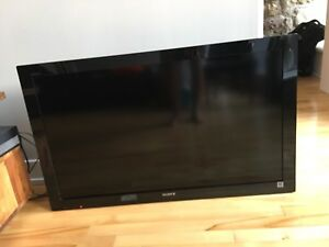 "Sony Bravia 40"" HD TV"