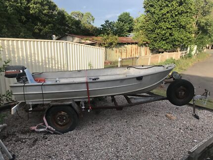 12ft Aluminium boat and trailer only no regos $400