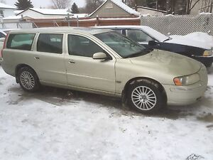Volvo V70 2.5turbo AWD SPORT wagon  7850$