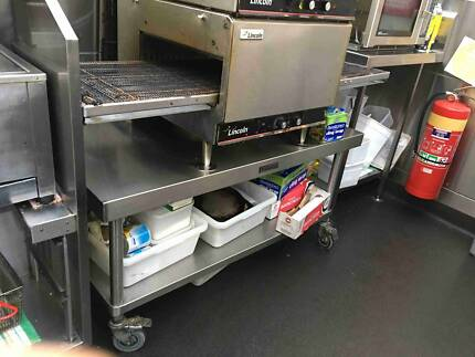 Used Cafe equipments, Pizza Oven, Deep Fryer, Furniture, etc