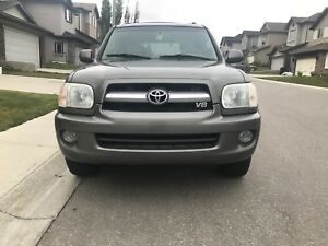 2005 Toyota Sequoia 4x4 7 seater for sale