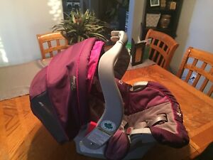 Disney / graco baby- cradle / carrier