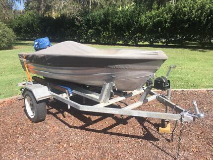 Brooker tinny boat 10 foot 5 hp on trailer