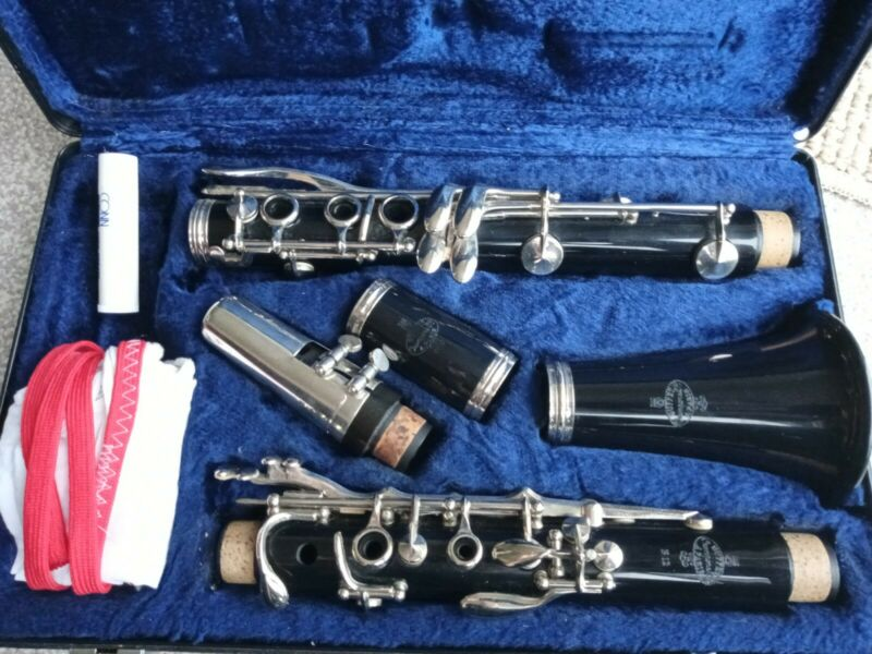 RECENTLY SERVICED BUFFET CRAMPON B12 Bb CLARINET THAT PLAYS VERY WELL & CASE