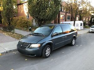 Dodge Grand Caravan 2005  160km winter-beater, mécanique OK