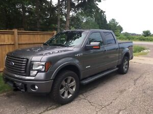 2011 F-150 FX4 leather, sunroof, a/c, new tires, 211000  km
