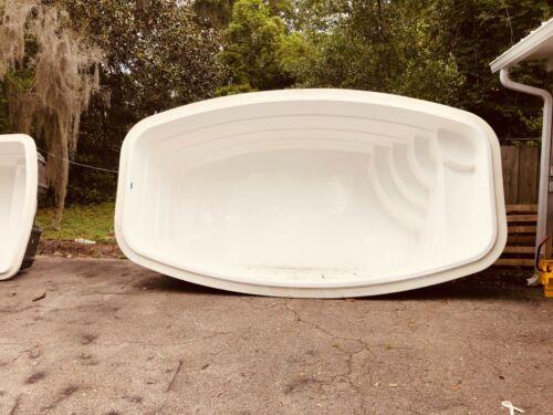 Fiberglass Inground Swimming pool shell/ Kit Italy 10 ( 8.65 x 15.1 x 4.3 deep )