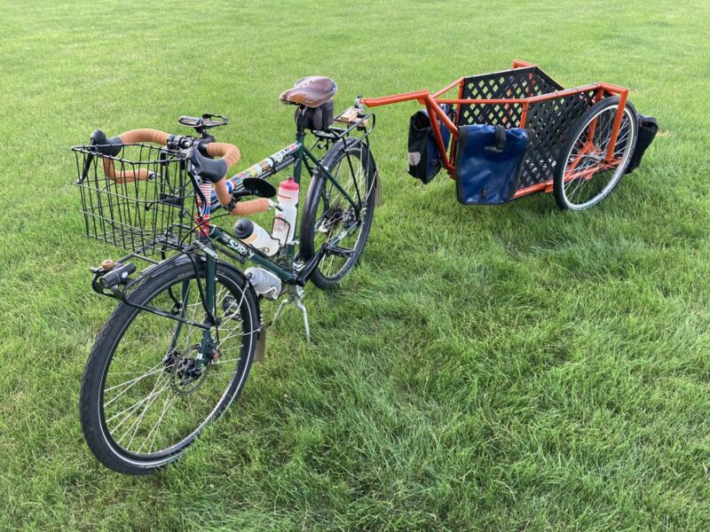 """Surly Disc Trucker 54cm, 26"""" Wheels with Trailer and Complete Touring Kit"""
