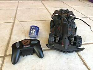 Nikko Remote control car with battery and charger good condition