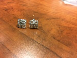 14 karat white gold diamond(0.64ct) earrings $550 or Best Offer