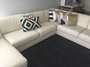 White leather lounge Glenmore Park Penrith Area Preview