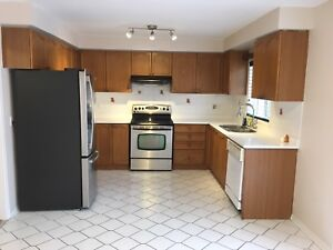 ENTIRE HOUSE FOR RENT IN HEARTLAND CENTRE MISSISSAUGA
