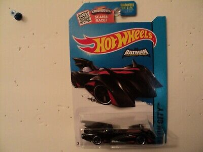 2014 HOT WHEELS HW CITY BATMAN BATMOBILE