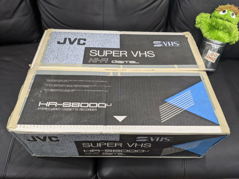 JVC HR-S8000u super vhs open box