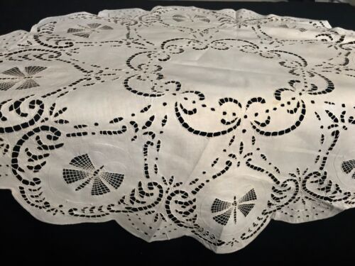 """Antique Amazing Ivory Tablecloth Butterfly Pattern 27"""" Dia Pulled Thread Embroi"""