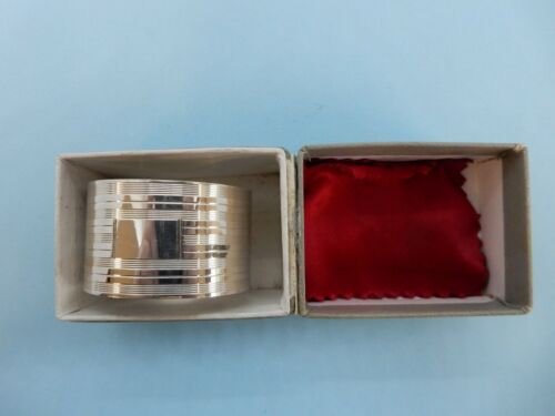 BOXED Engine Turned Solid SILVER NAPKIN RING, Birm 1943 John Rose. No Engravings