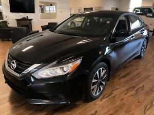 2017 Nissan Altima 2.5 SV (s-roof/remote start/heated steering w