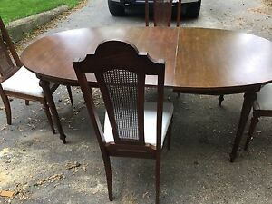 Oak table with four chairs NEED GONE