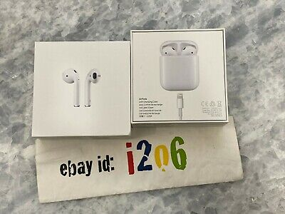 PRE-OWNED APPLE AirPods 1st Gen with Charging Case - White FREE SHIPPING