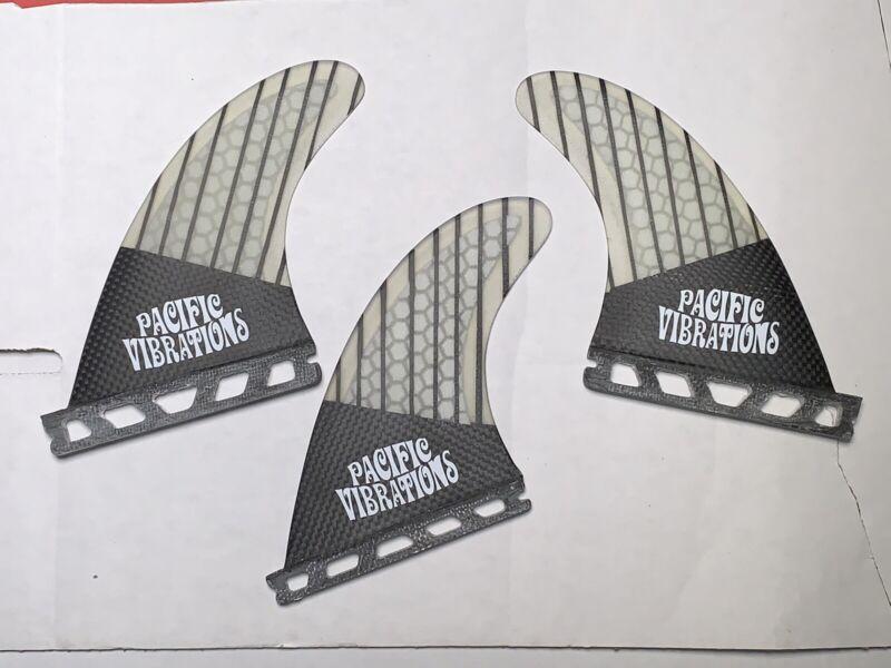 Pacific Vibrations Futures surfboard tri 3 fins Carbon Fiber Honeycomb Small