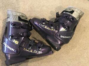 Women's downhill ski boots, size 24.5