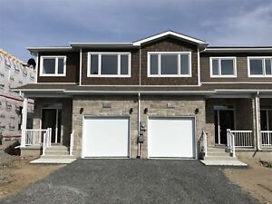 Recently built 3 bed townhome in east end - 930 Riverview Way