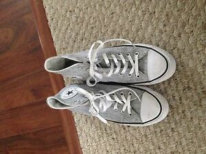 Brand New Converse----size 9