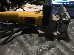 Dewalt dw 682 plate joiner with case