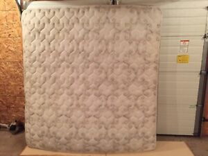 King sized mattress, professionally cleaned!