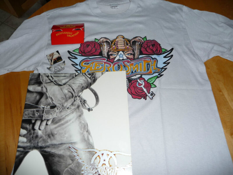 Aerosmith 1987 Permanent Vacation Tour Program + Binoculars + T-Shirt +Pin+Badge