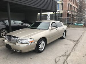 2005 Lincoln Town Car Limited Signature
