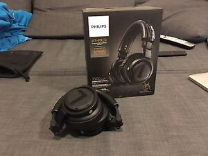 Phillips A5-PROi Professional DJ headphones with mic Rhodes Canada Bay Area Preview