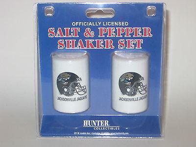 Jacksonville Jaguars Ceramic Salt & Pepper Shaker Set With Team Logo Logo Shaker Set