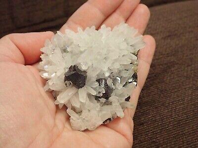 Mineral de Cuarzo con bellos cristales de Galena de 8x7x3 cm