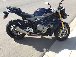 BMW S1000R Roadster Sport Bike