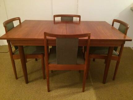 vintage retro chiswell dining table extendable 6 chairs