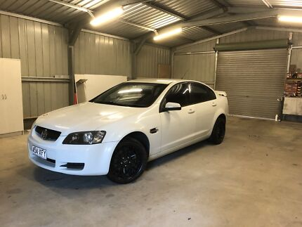 Ve commodore omega V 2006 auto 150xxx kms