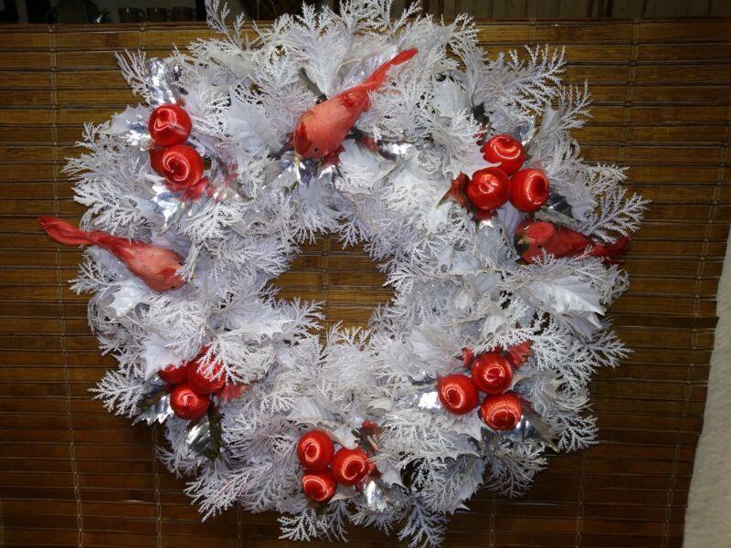 "VTG Mid Century Winter White Kitschy 18"" plastic - Christmas Wreath - Cardinals"
