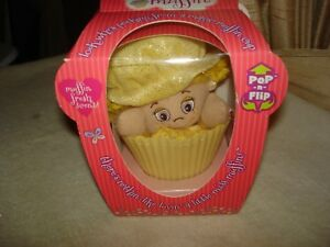 Dolls & Bears Little Miss Muffin Pop-n-flip Cupcake Dolls Set Of 2 Large And Small Red Yellow