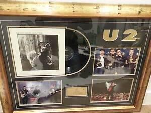 U2 SIGNED RECORD ALBUM FRAMED Carnegie Glen Eira Area Preview