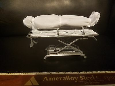 BODY ON GURNEY CORPSE MORTICIAN EMT MEDICAL DISPLAY, UNIQUE GIFT IDEA](Halloween Prop Ideas)